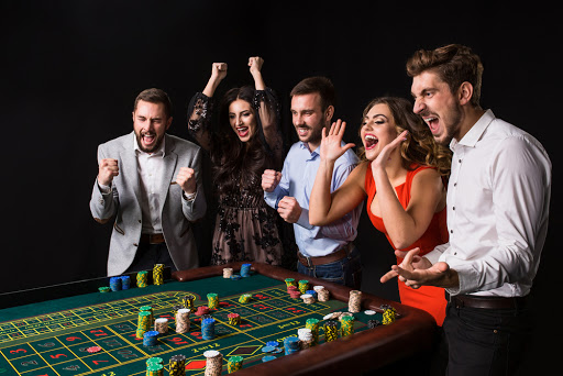 Explore the benefits you can get in Playing Online Slots